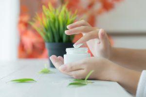 acido ialuronico medicazione avanzata